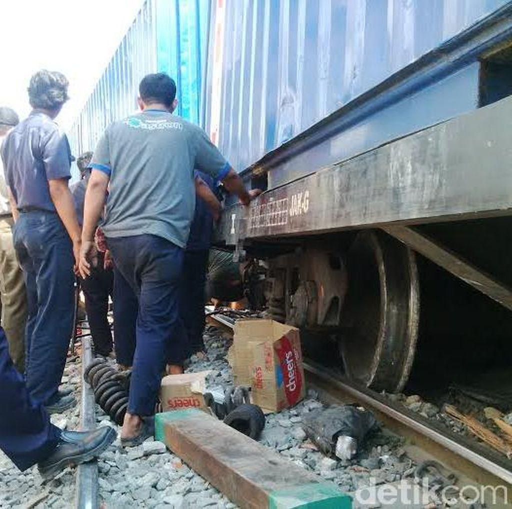 Kereta Barang Anjlok, Perjalanan Kereta Penumpang Tak Terganggu