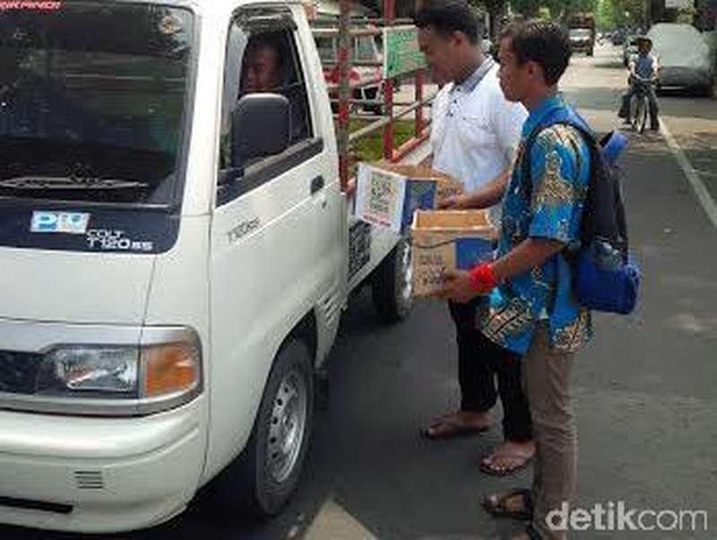 Pelajar Lumajang Turun ke Jalan Galang Dana Salim Kancil