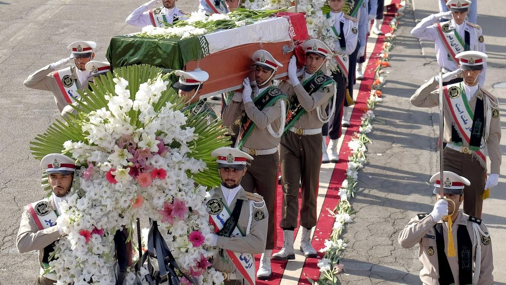Pesawat Kedua Bawa 114 Jasad Korban Tragedi Mina Tiba di Iran