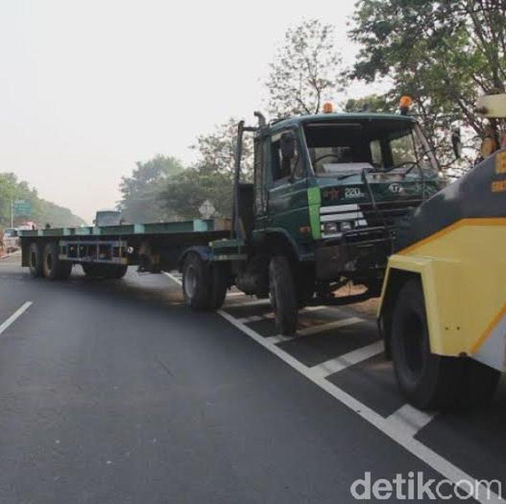 Tiga Mobil Terlibat Kecelakaan Beruntun di Tol Pancoran