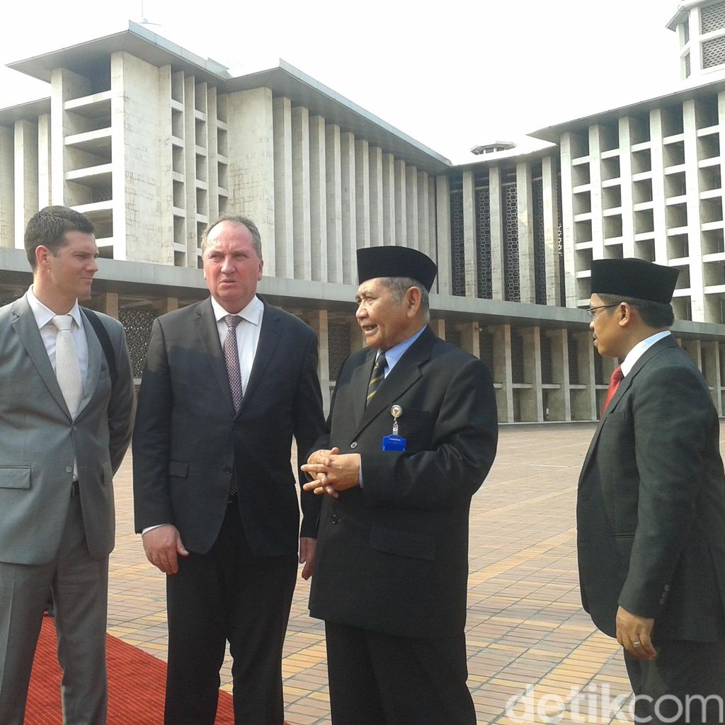 Berkunjung, Menteri Pertanian Australia Terkesan dengan Masjid Istiqlal