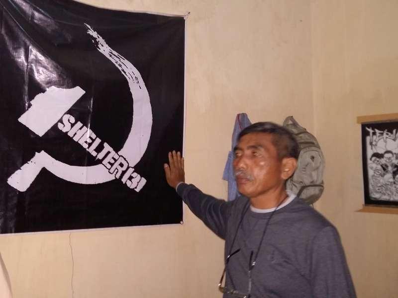 Pengakuan Sementara Pnd, Shelter 131 di Gagang Palu Arit Judul Lagu