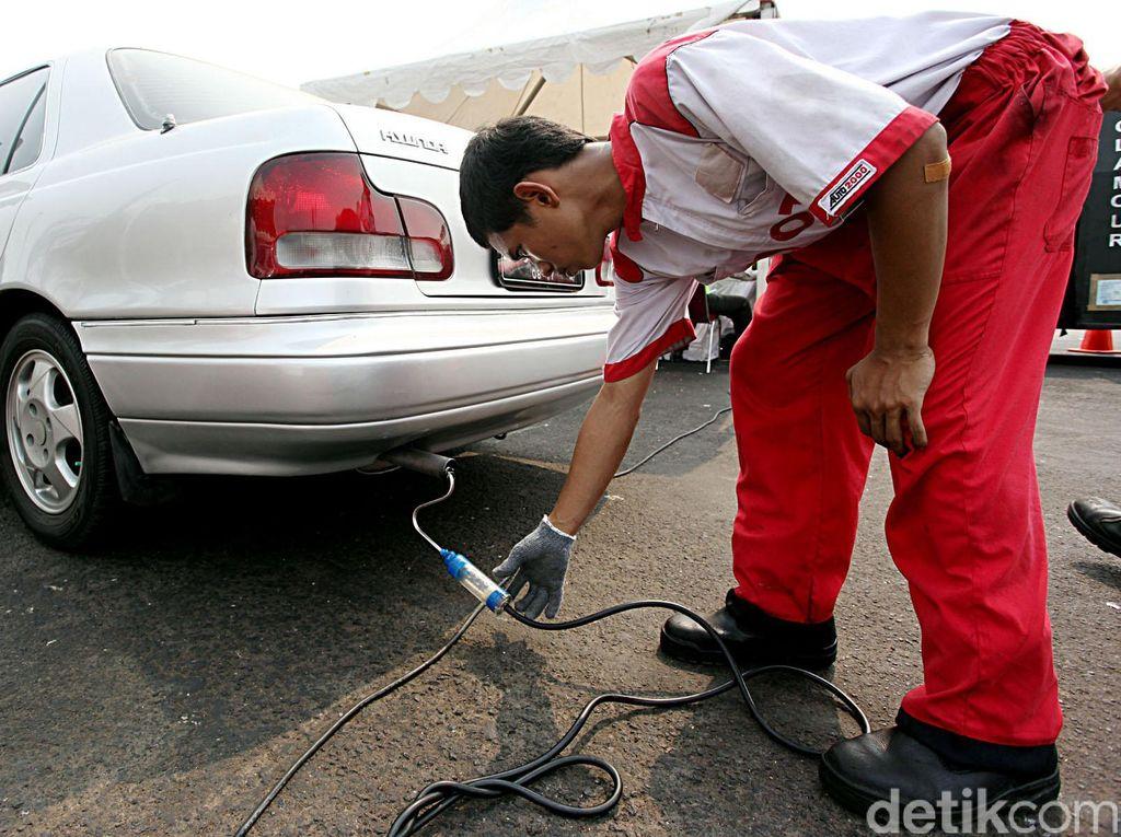 Cegah Pemanasan Global, Tahun 2035 Harus Setop Jualan Mobil Konvensional
