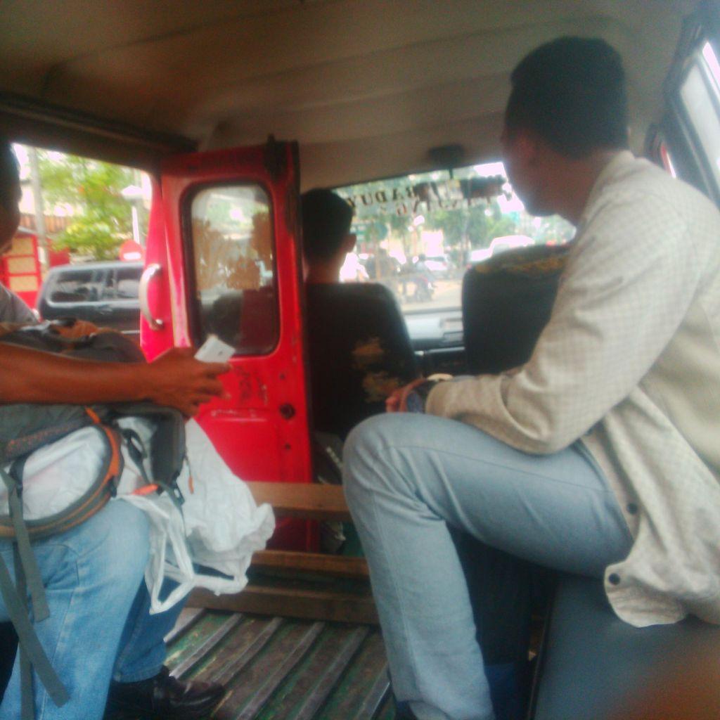 Menjajal Angkot 05 yang Disebut Brengsek Oleh Ridwan Kamil