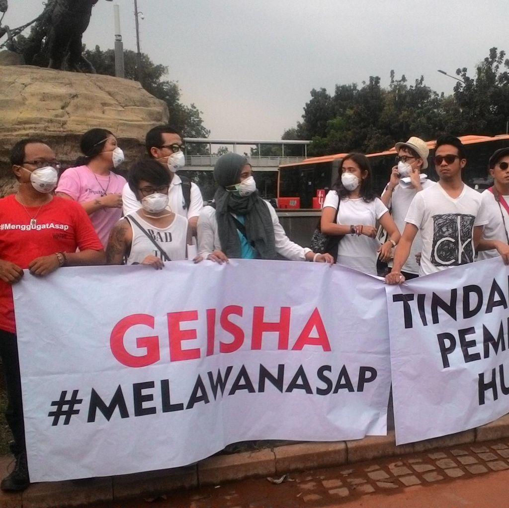 Kampanye #MelawanAsap, Para Artis Galang Dukungan di Patung Kuda Monas