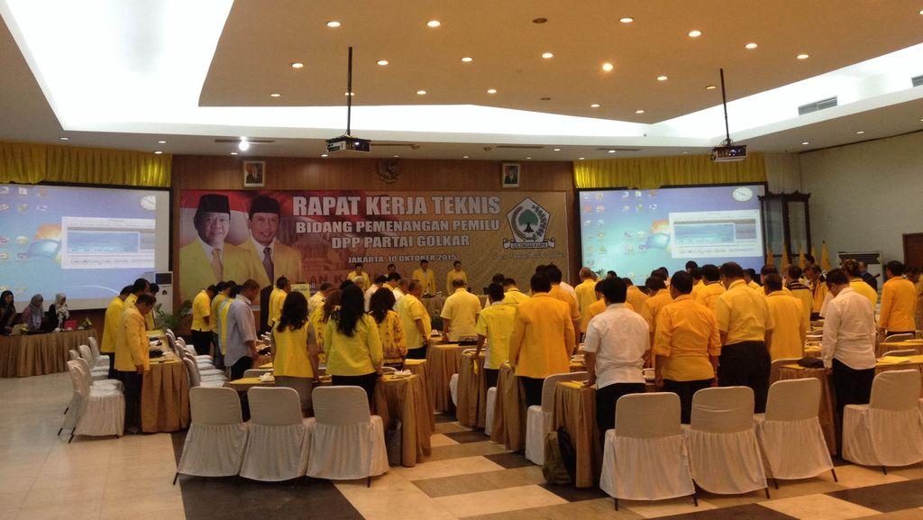 Kubu Agung Laksono Gelar Rapat Kerja Golkar di Kantor DPP Slipi