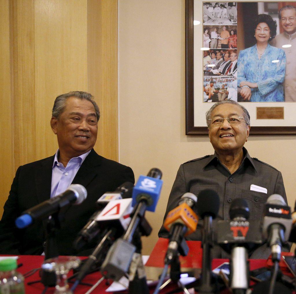 Mahathir Mohamad dan Tokoh UMNO Minta Pembebasan Pengkritik PM Najib