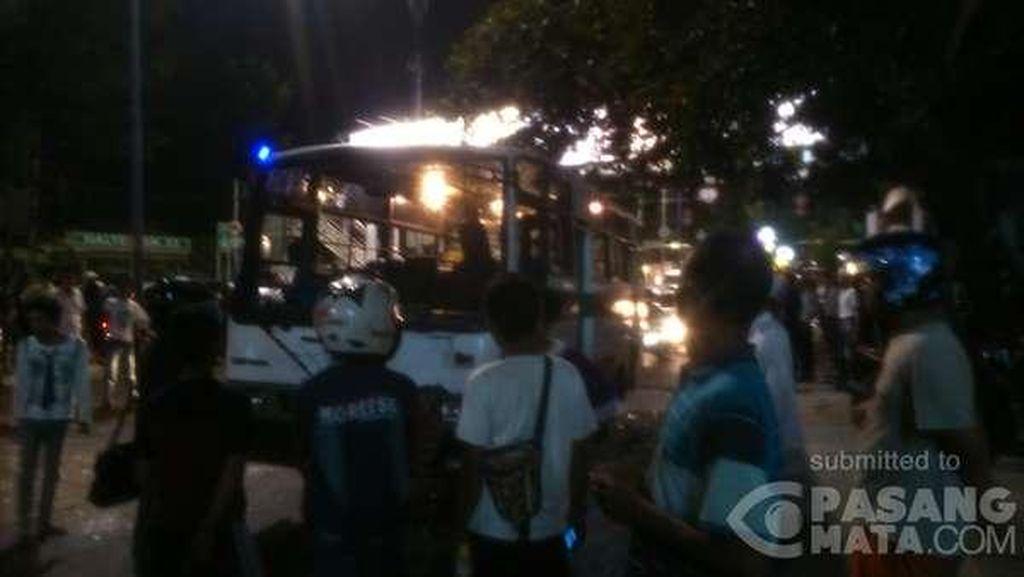 Kaki Diduga Retak, Korban Tabrakan Kopaja Dibawa ke RS Fatmawati