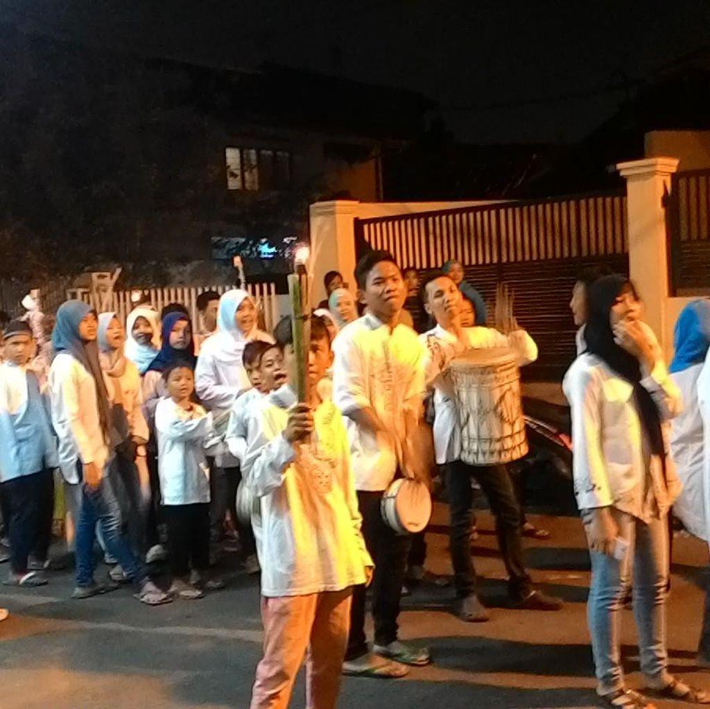 Anak-anak Hingga Orang Dewasa Ramaikan Pawai 1 Muharram di Sawah Besar