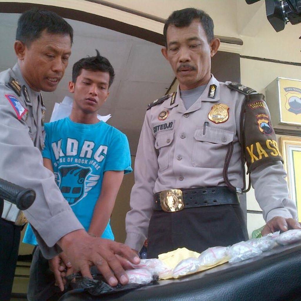 Razia Lalin, Polisi di Semarang Tangkap Pengedar 680 Butir Pil Koplo