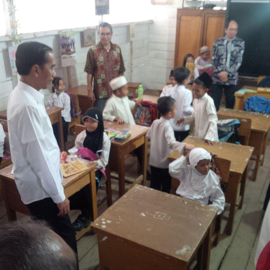 Jokowi: Anak Adalah Masa Depan, Kita Membuat Mereka Tumbuh dengan Gembira