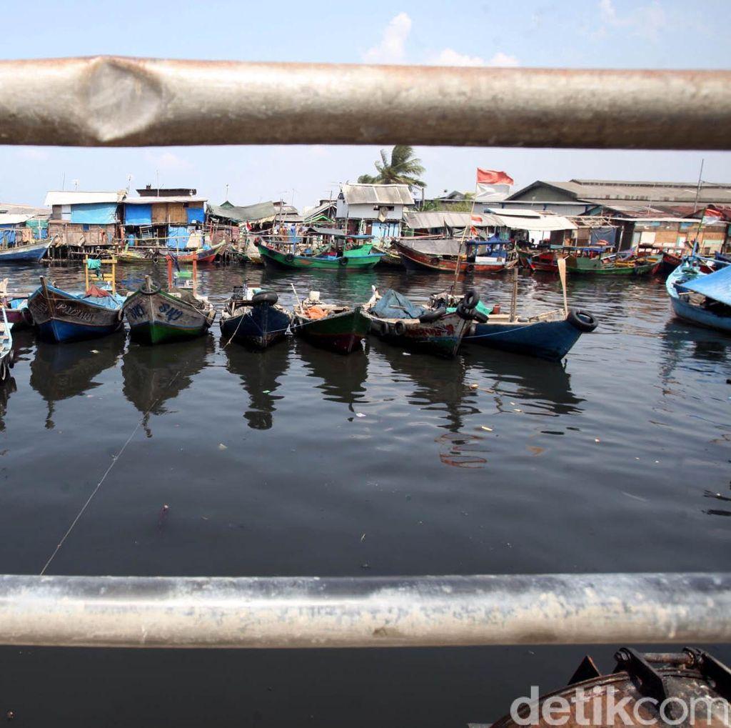 2 Perahu Terbalik Diterjang Ombak di Cilacap, 3 Nelayan Hilang