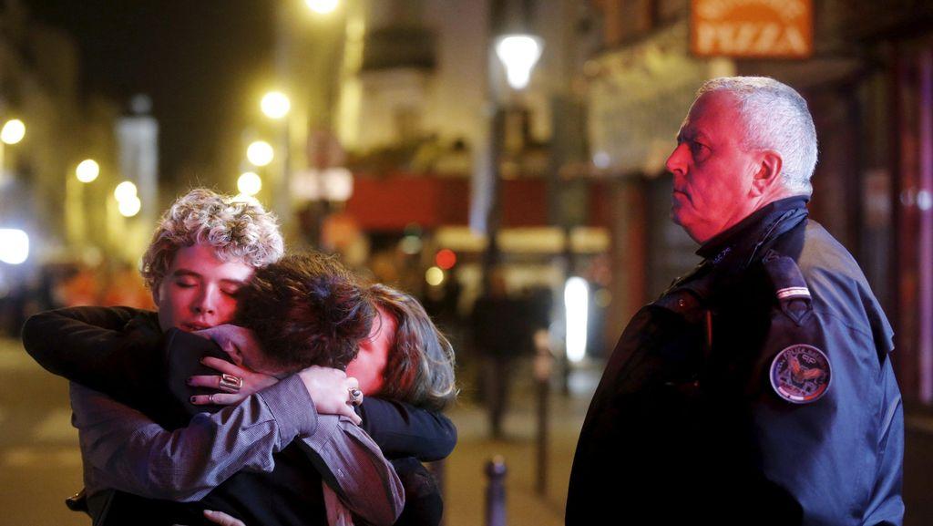Pasca Bom Paris, Polisi Lakukan 1.200 Pencarian dan Tahan 165 Orang