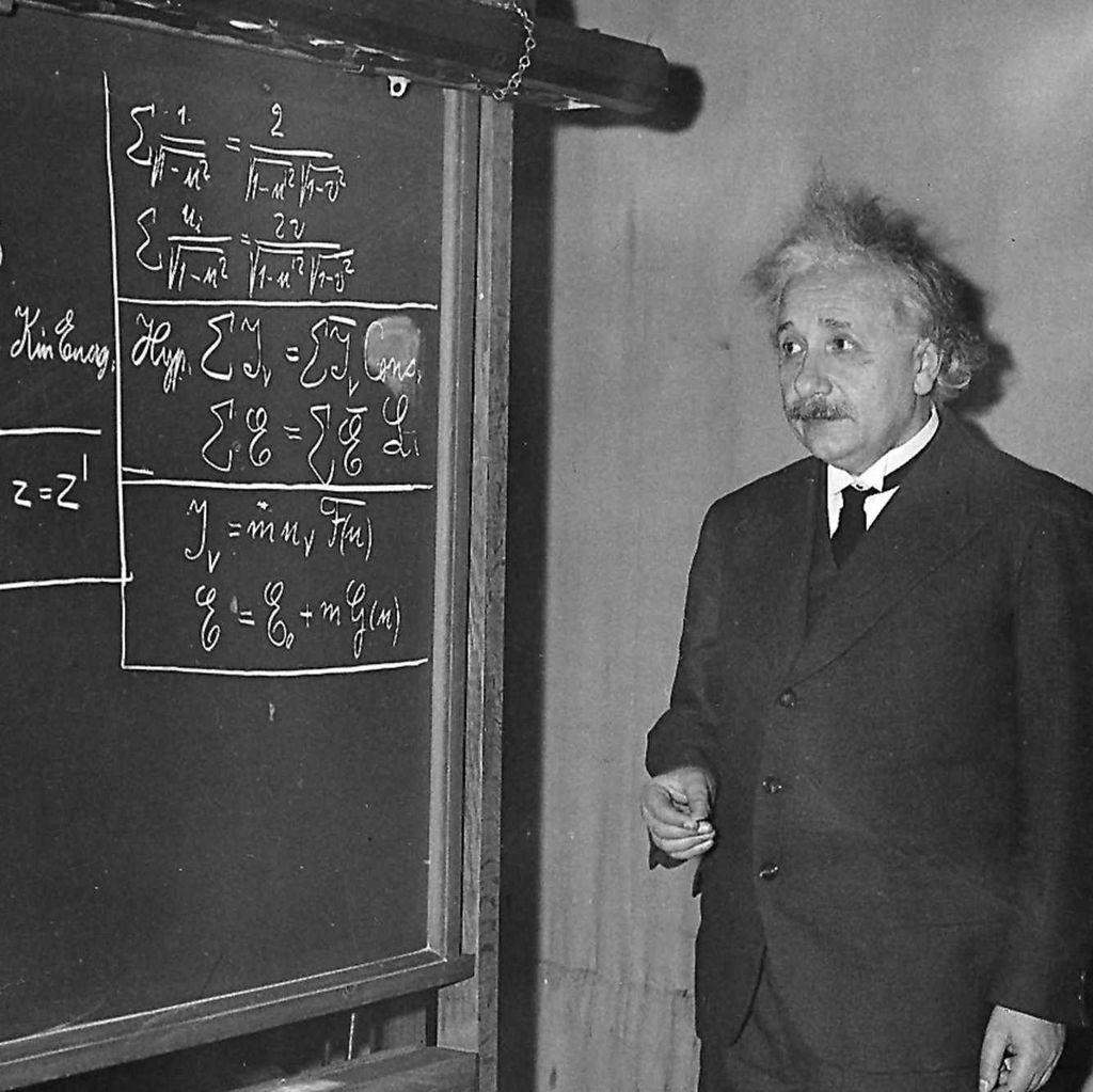 Apa Hebatnya Otak Einstein