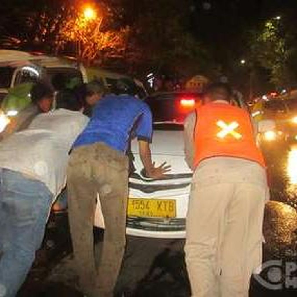 Ini Identitas Sopir Taksi yang Kena Serangan Jantung Saat Bawa Penumpang