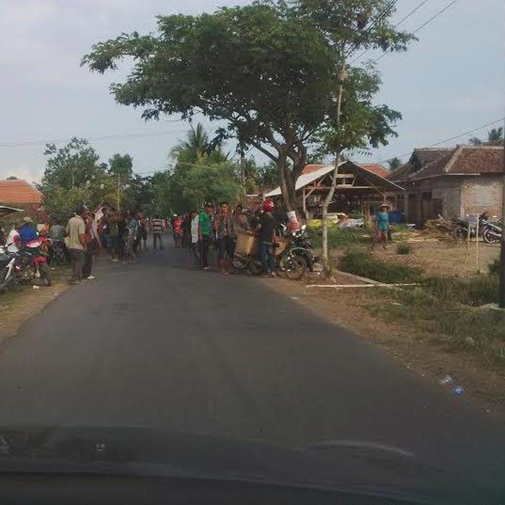 Aksi Penolakan Tambang Emas di Banyuwangi Memanas, 3 Motor Dibakar