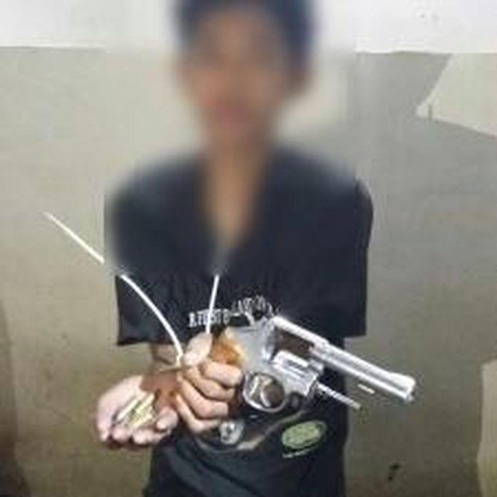 Siswa SMP di Makassar Ditangkap karena Curi Pistol Polisi