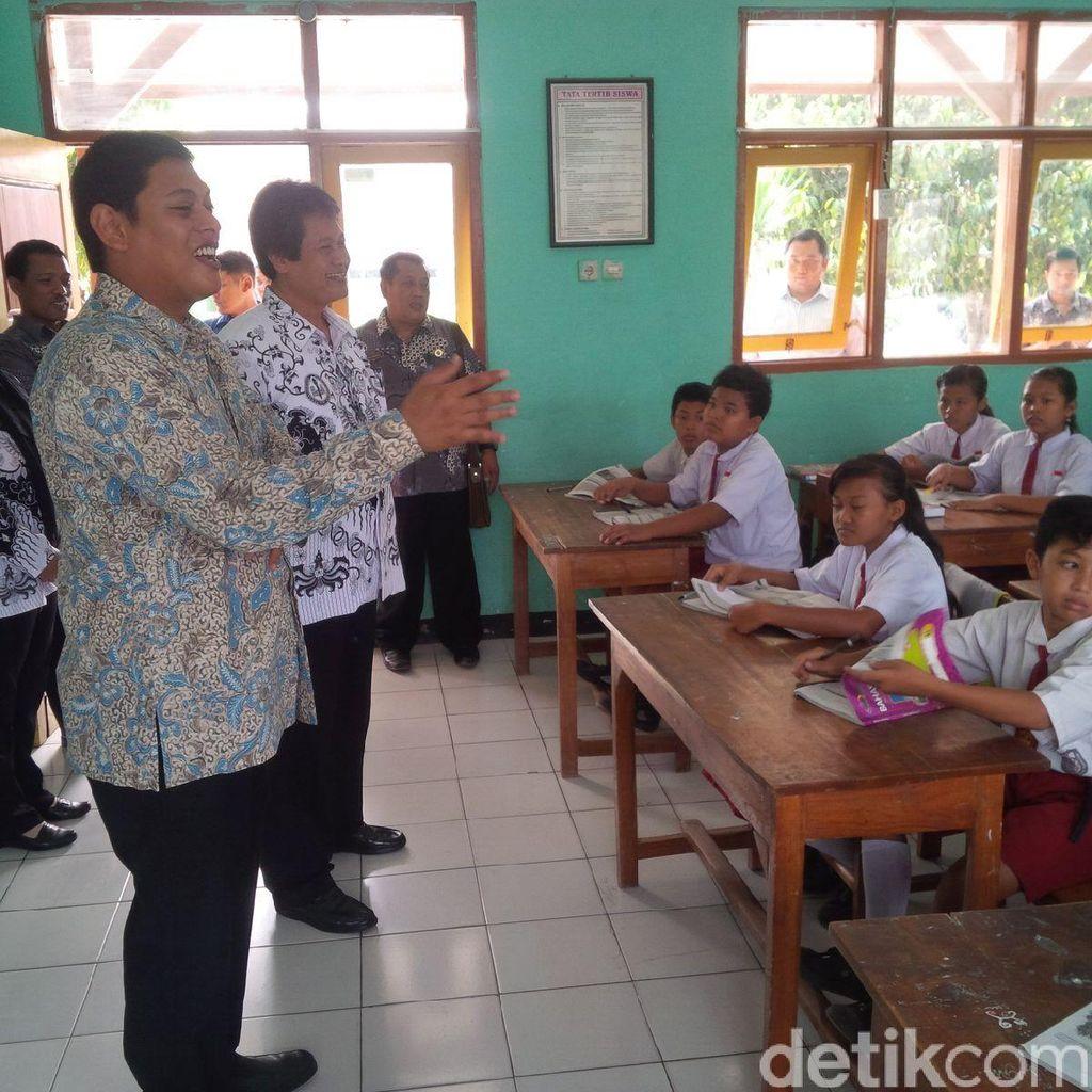Hari Guru, Wali Kota Kediri Blusukan dan Mengajar Siswa SD
