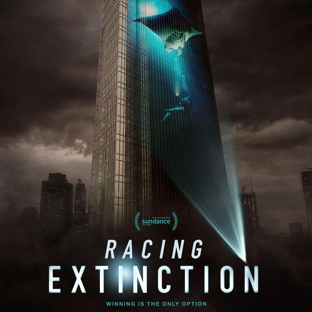 Sedikit Kisah Menyentuh dari Si Hiu Buntung di Racing Extinction