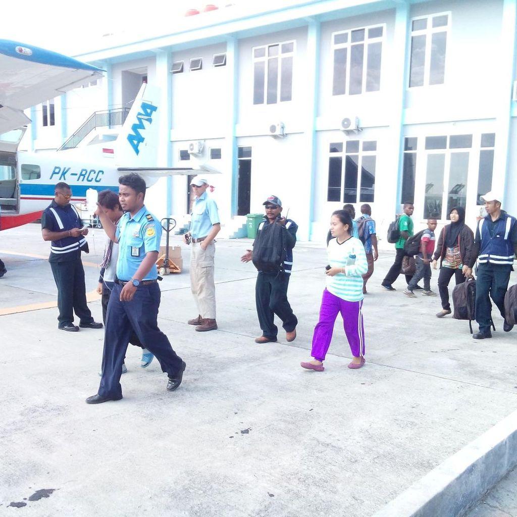 Kisah Mendebarkan Evakuasi Dokter di Pedalaman Papua yang Terkena Malaria