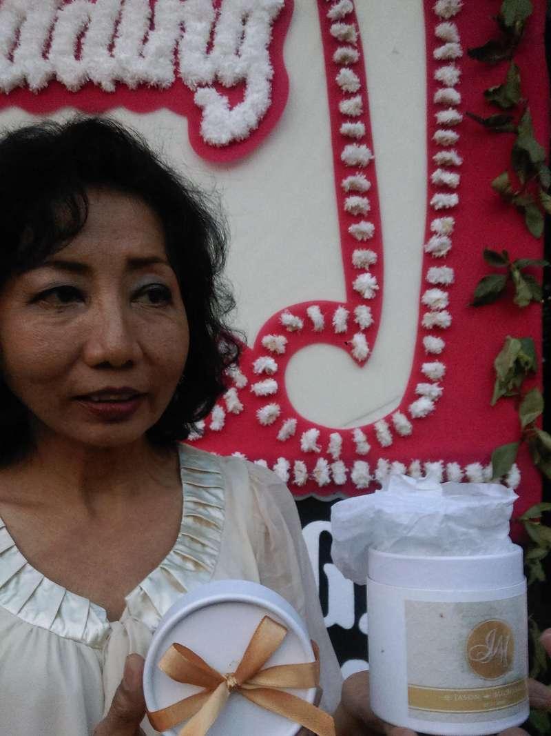 Pemberkatan Perkawinan Putri Novanto Berakhir, Undangan Dapat Suvenir Lilin