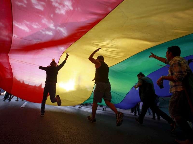 Dukungan untuk LGBT Seharusnya Agar Mereka Bisa Sembuh
