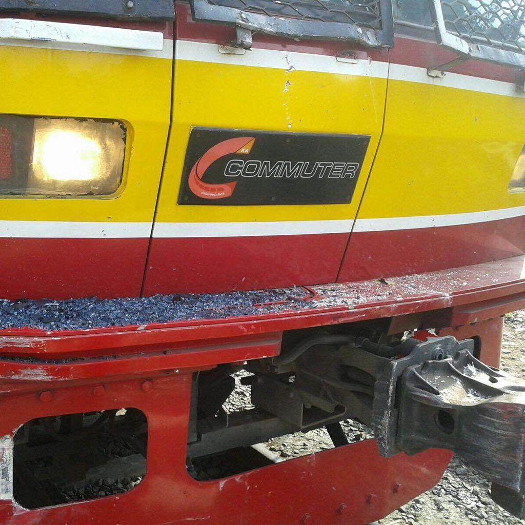 Begini Kerusakan KRL Setelah Tabrakan dengan TransJ di Jalan Panjang