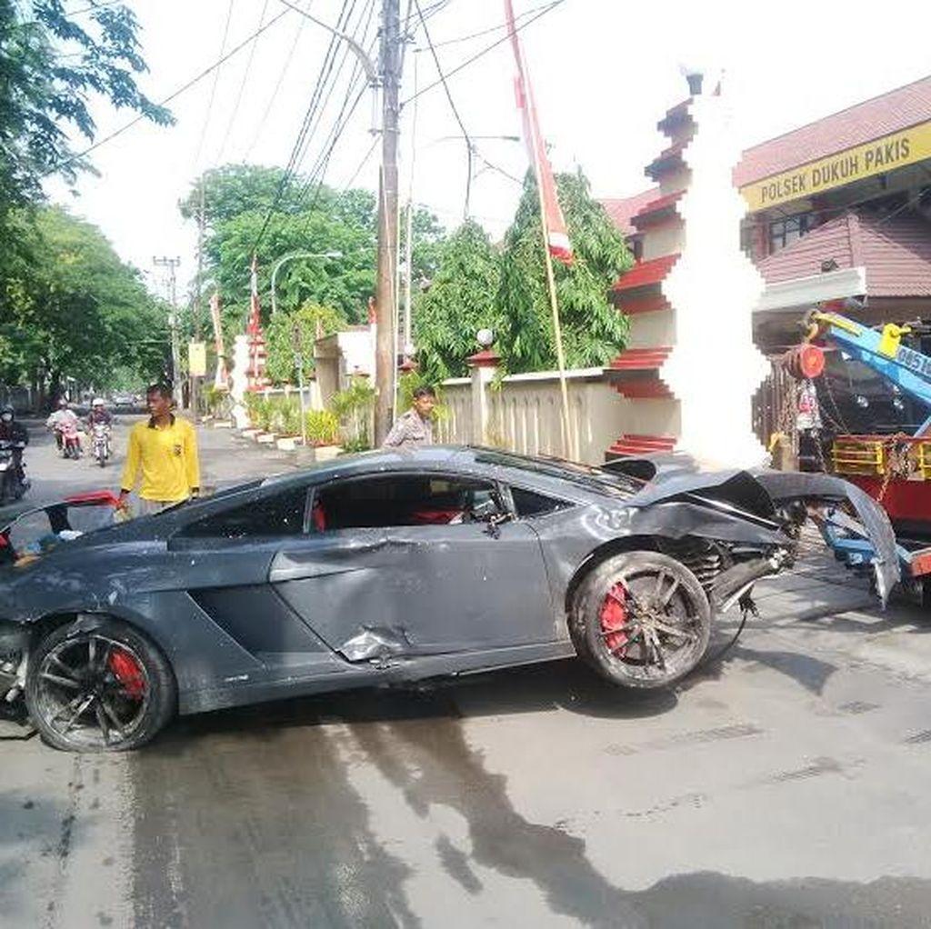 Polisi Tes Darah dan Urin Pengemudi Lamborghini yang Tabrak Warung STMJ