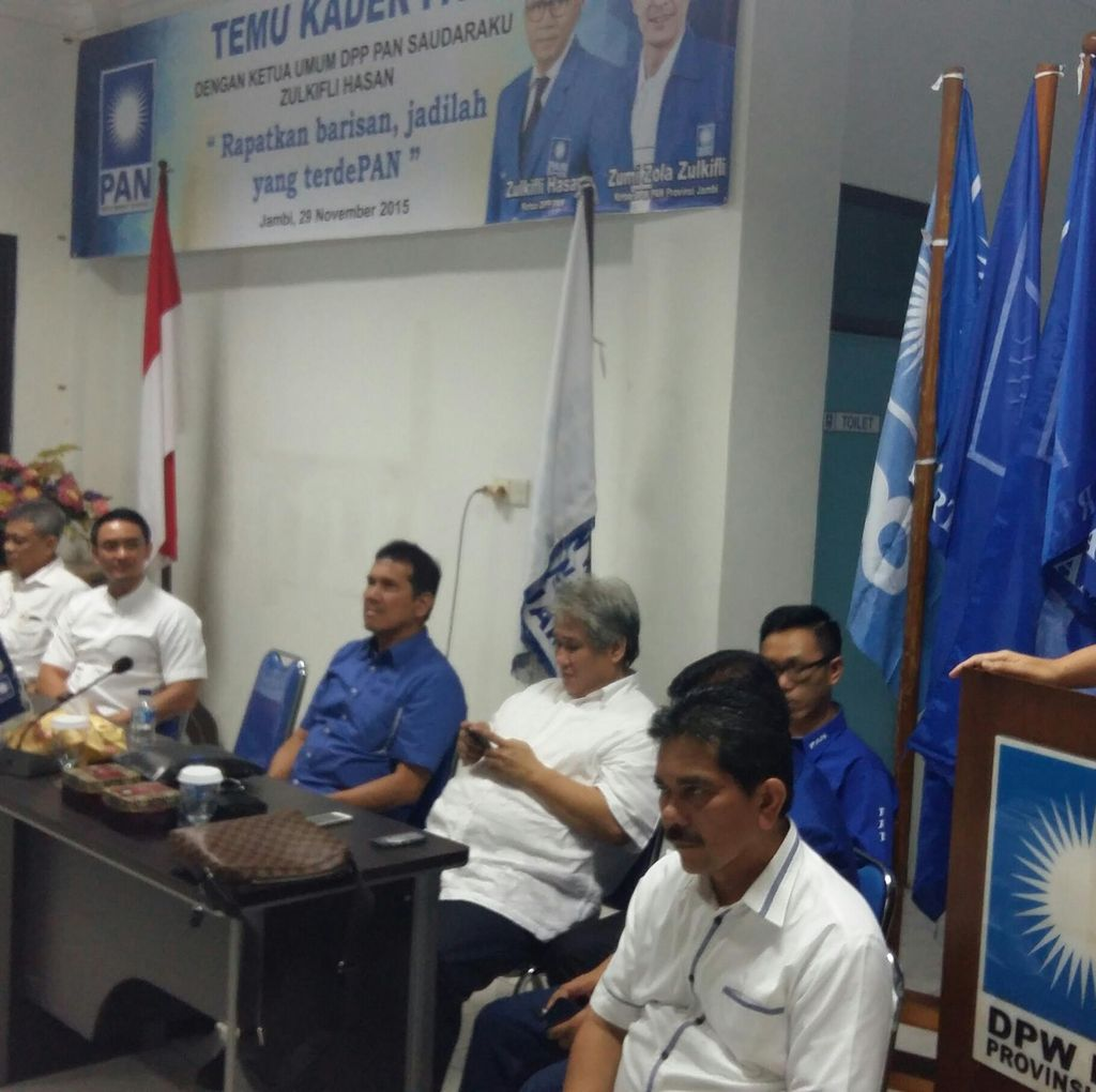 Ketua MPR Sarankan Presiden Jokowi Tetap Gunakan Helikopter Super Puma