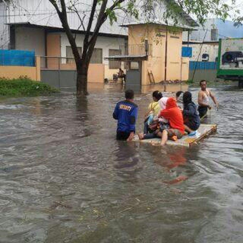 Usai Hujan Lebat, Sejumlah Kawasan di Medan Terendam Banjir