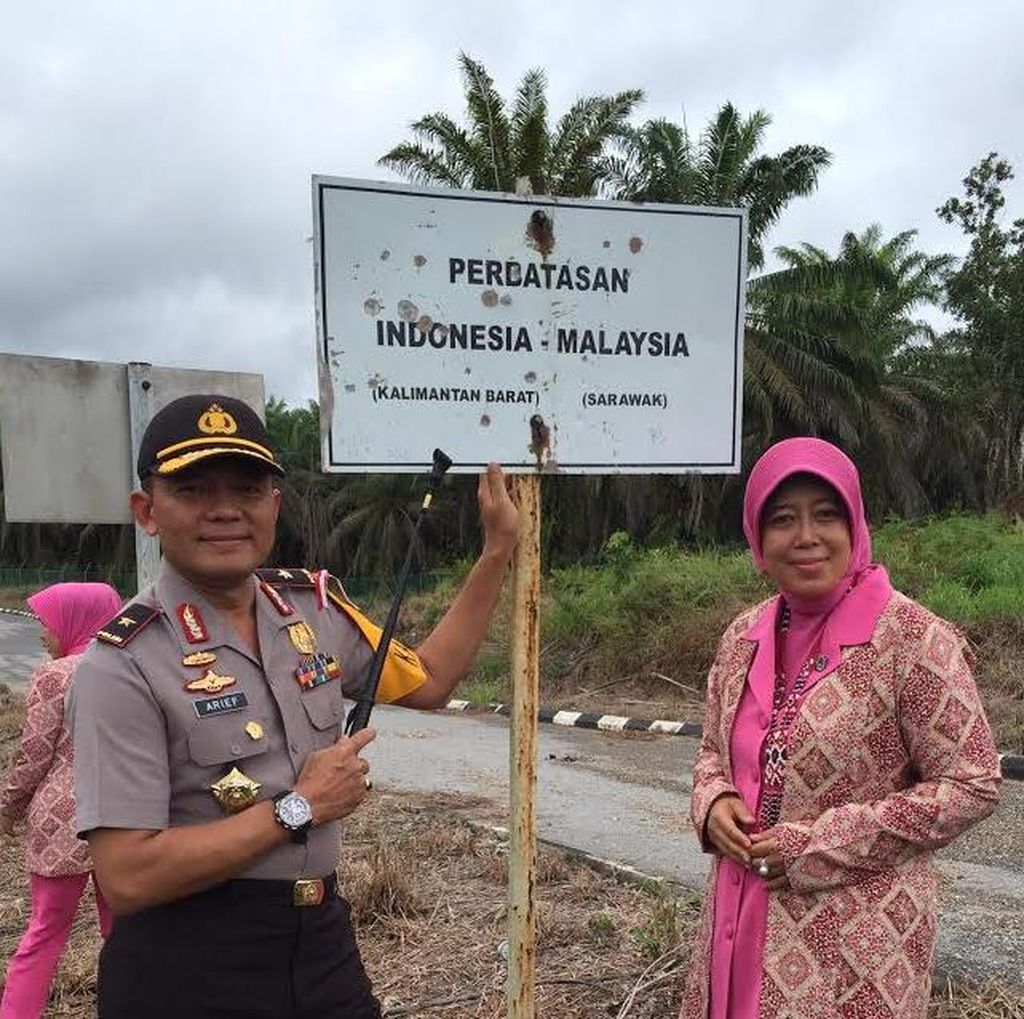 Cerita Kapolda Kalbar Blusukan Menembus Medan Berat Menuju Perbatasan RI-Malaysia