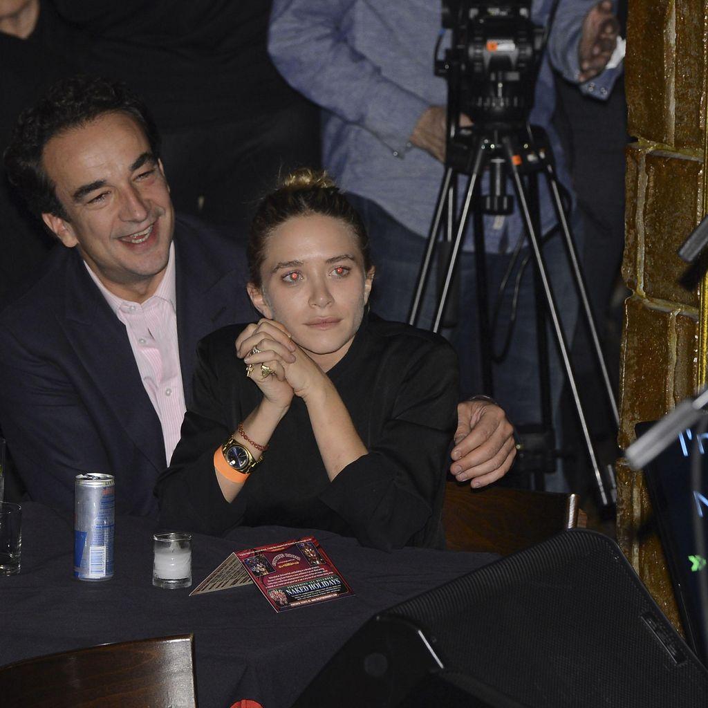 Mary-Kate Olsen Dikabarkan Resmi Nikahi Pria 17 Tahun Lebih Tua