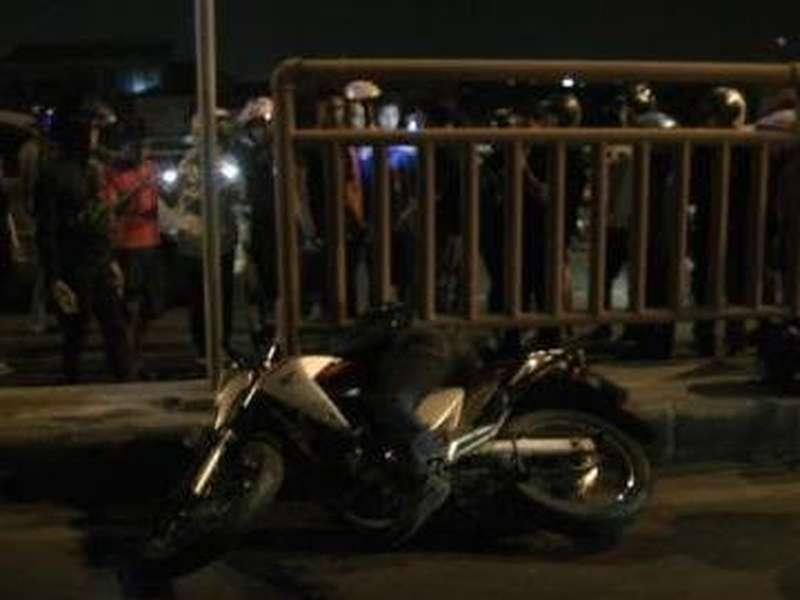Seorang Biker Tewas dalam Kecelakaan Tunggal di Flyover Pasar Kembang