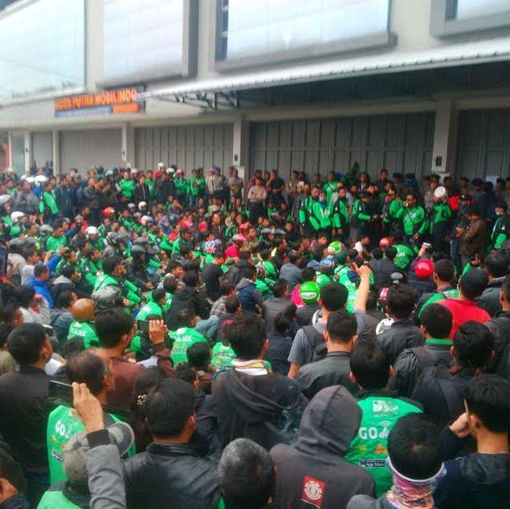 Sikapi Demo di Bandung, Penjelasan Go-Jek Soal Driver yang Diberhentikan!