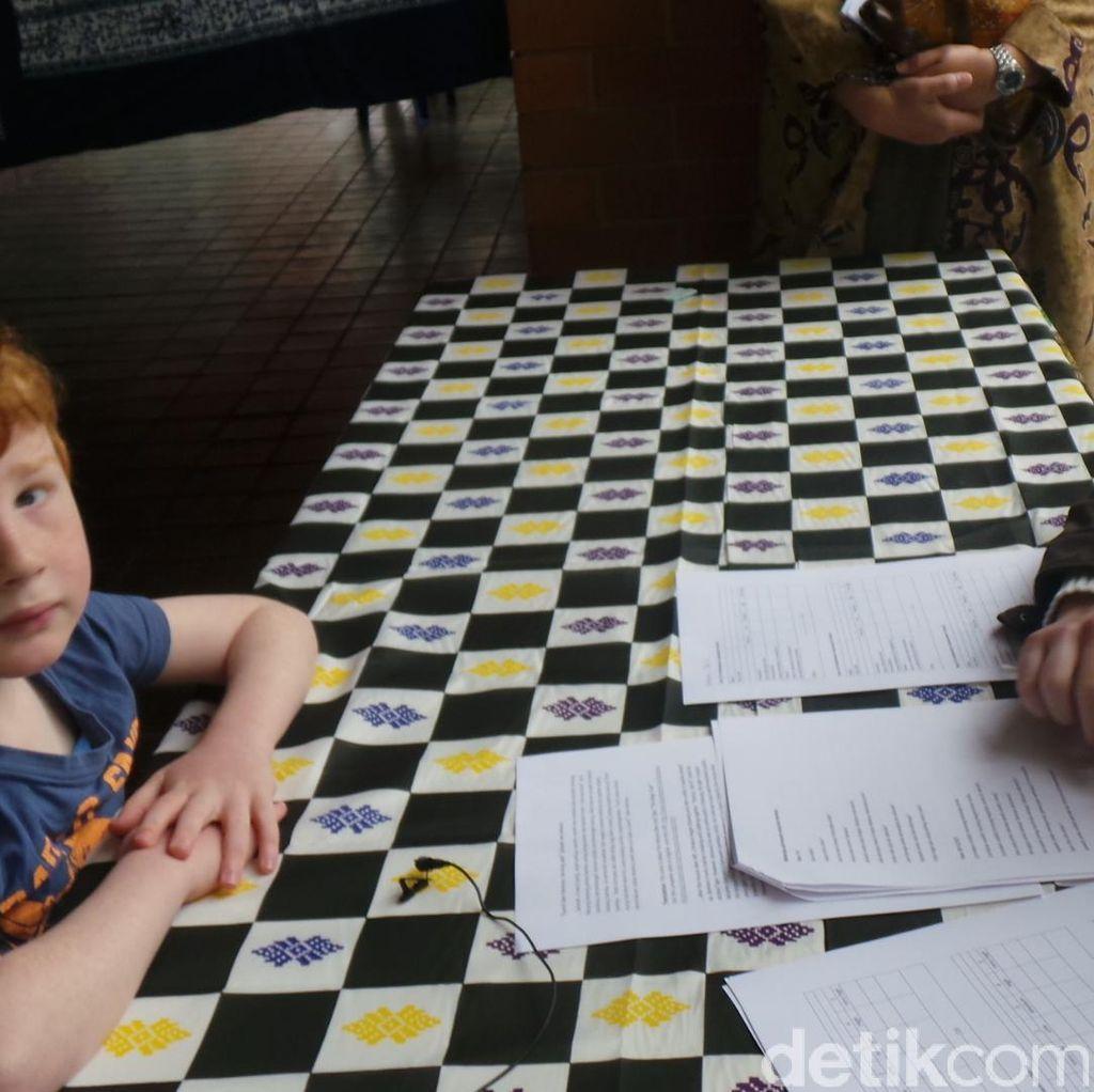Kala Remaja Australia Belajar Bahasa Indonesia: Papa...Sapi