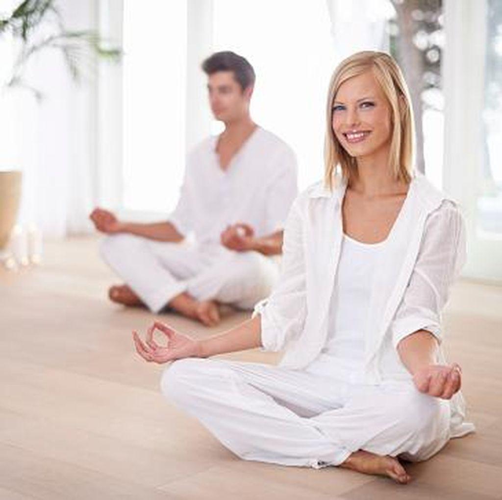 Pasutri Ingin Perbaiki Mood Sebelum Bercinta? Coba Saja Bermeditasi Dulu