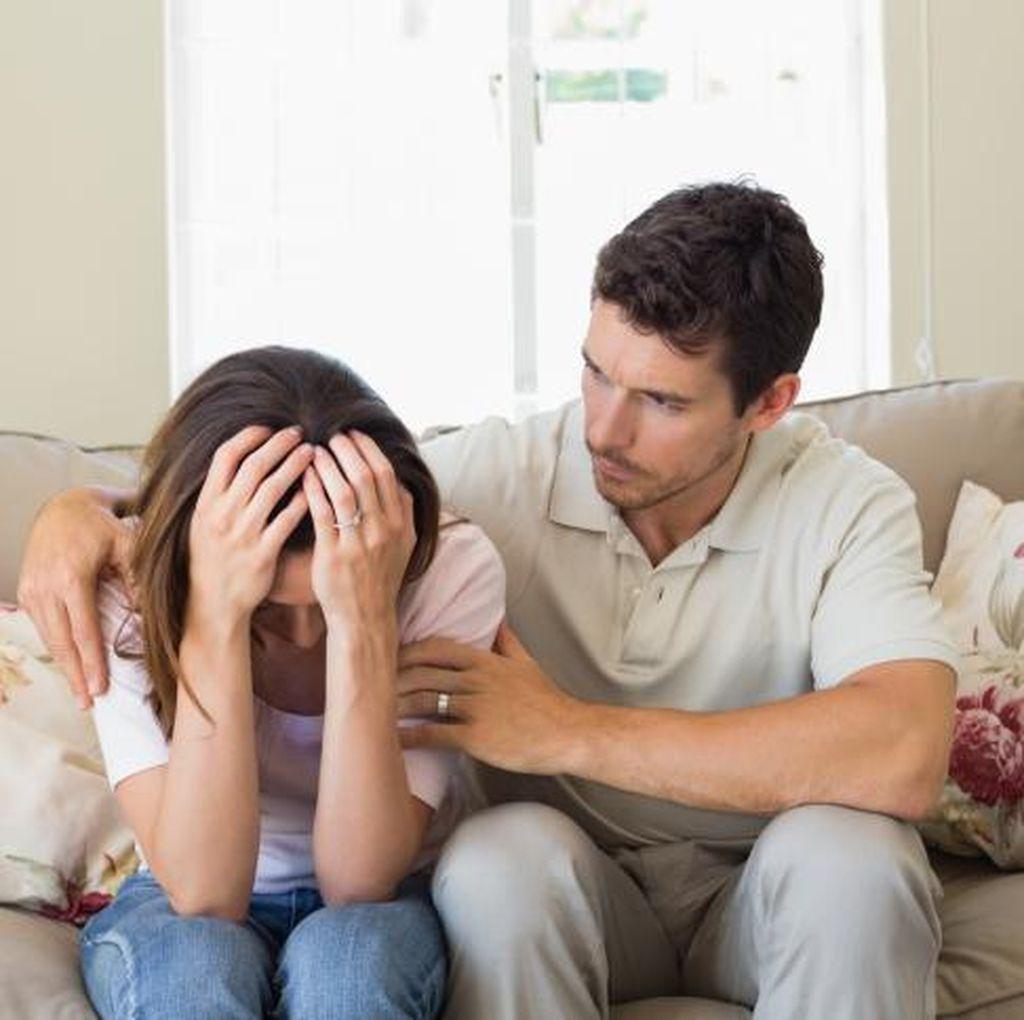 Istri Cenderung Takut dan Enggan Bercinta Pasca Keguguran, Normalkah?