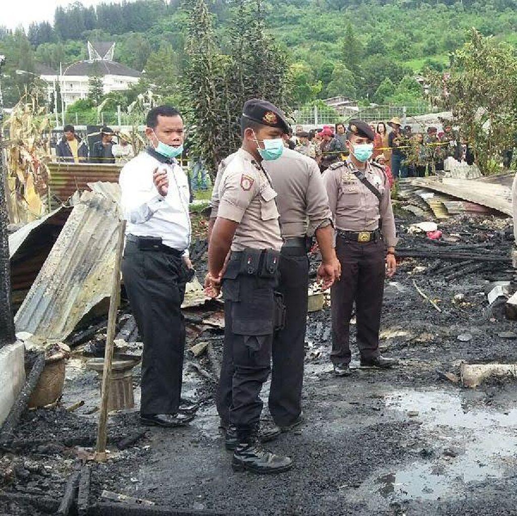 Ibu Rumah Tangga dan 3 Balita Tewas Dalam Peristiwa Kebakaran Rumah di Berastagi