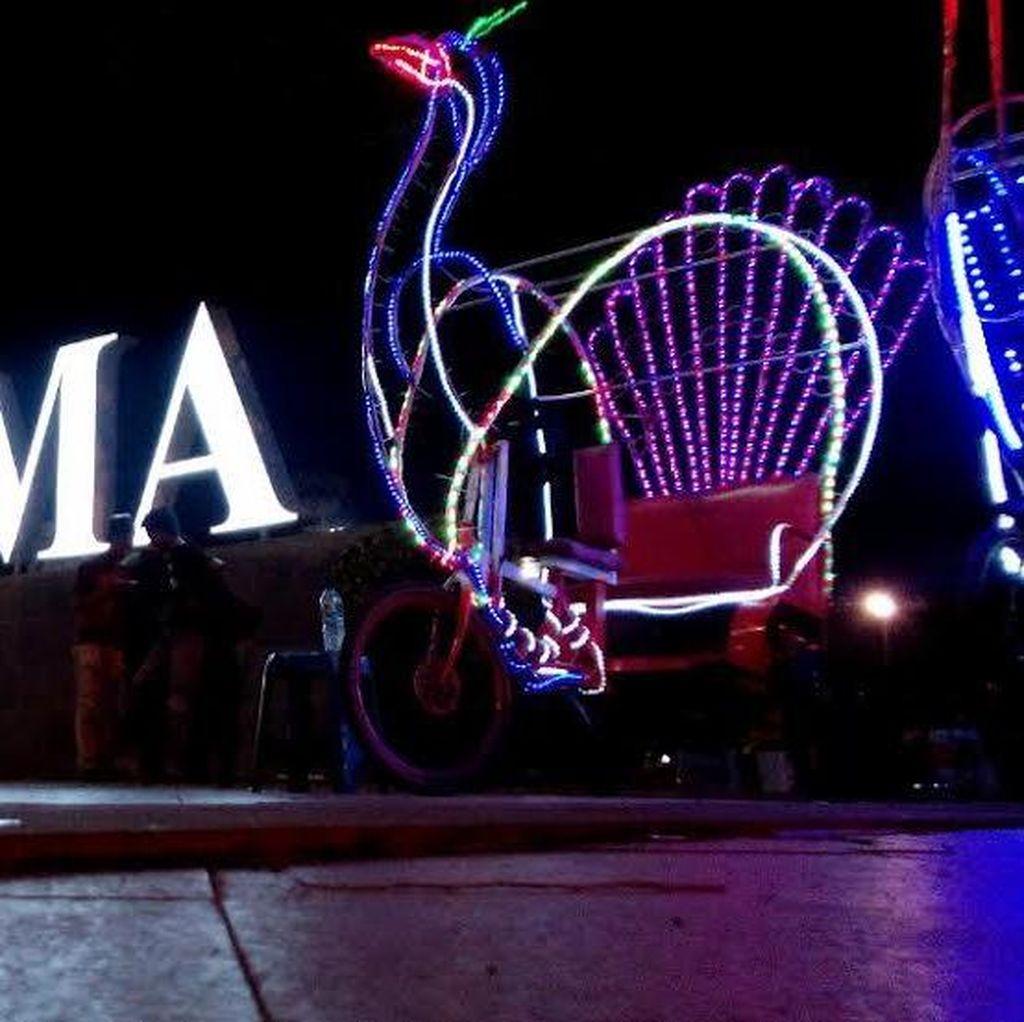 Serunya Wisata Malam di Kawasan Simpang Lima Semarang