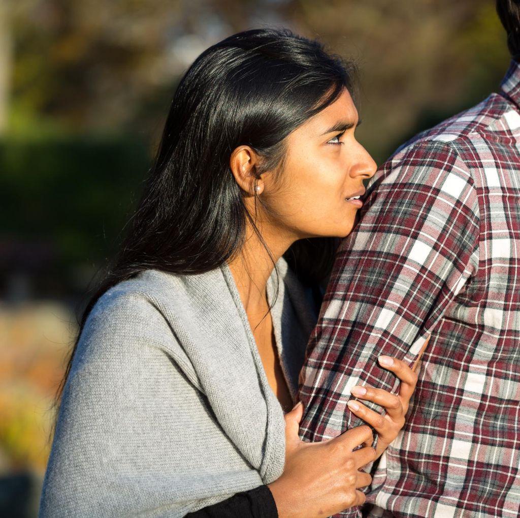 5 Cara Move On dari Cinta Bertepuk Sebelah Tangan