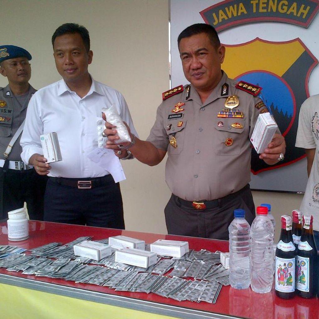 Polisi Semarang Sita Ribuan Pil Koplo dan Ratusan Botol Miras Jelang tahun Baru