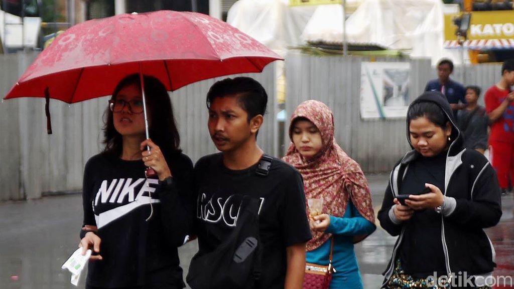 Sedia Payung, Jakarta dan Sekitarnya Akan Diguyur Hujan Sepanjang Hari