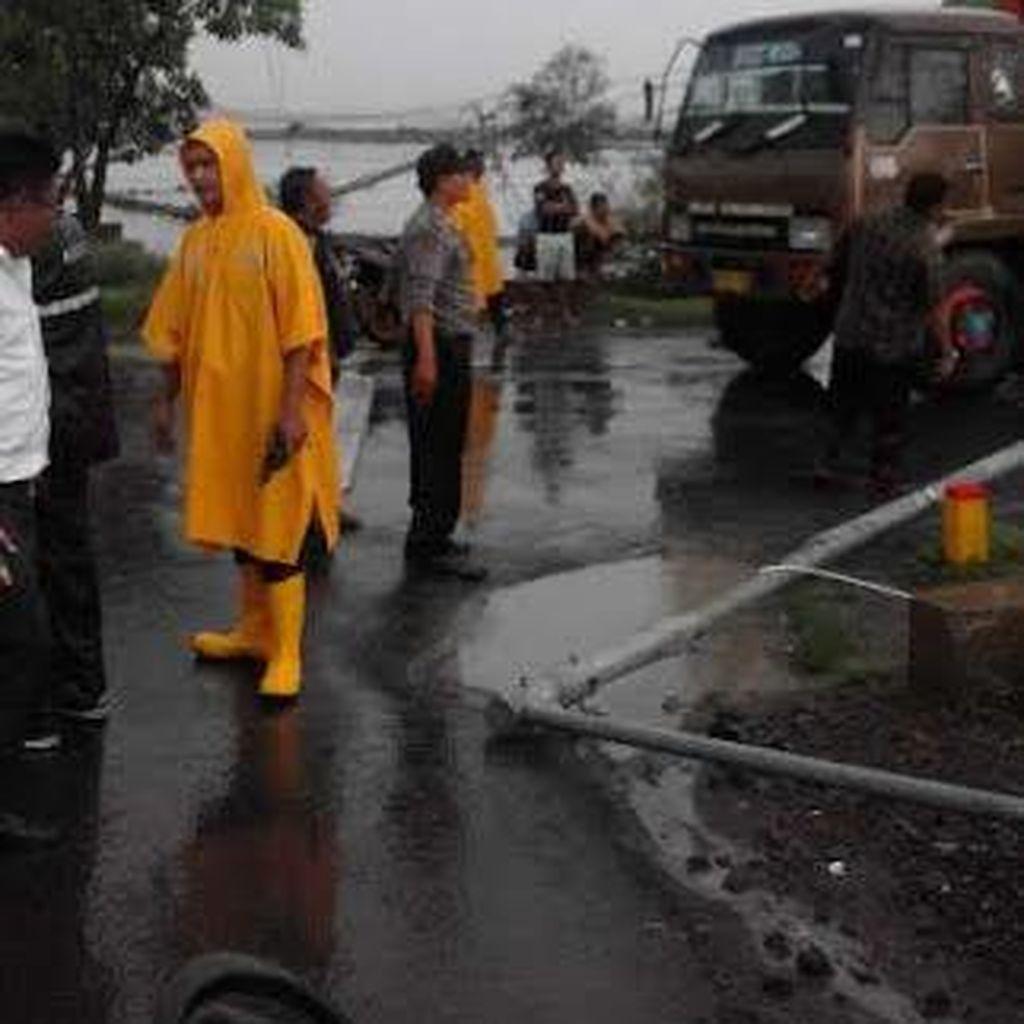 Angin Puting Beliung Terjang Kantor BMKG Juanda, Sidoarjo