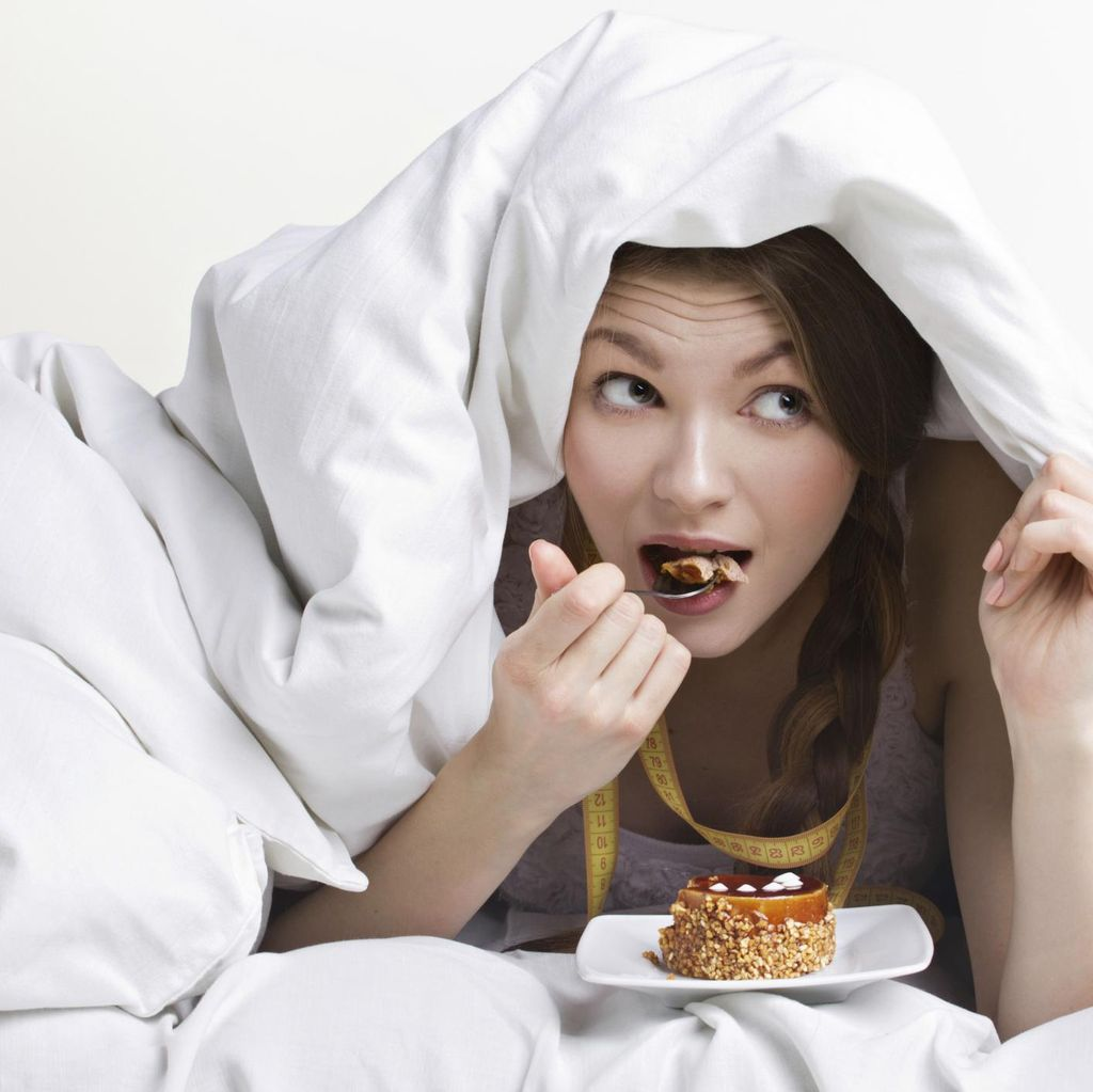 7 Kebiasaan Makan yang Membuat Kulit Lebih Cepat Menua
