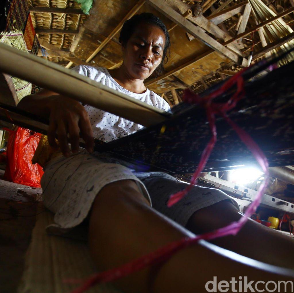 Mengenal Hak Eksklusif Tenun Gringsing Bali yang Penuh Magis