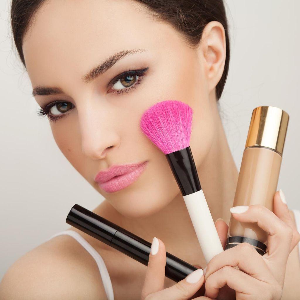 Riasan Mata yang Disarankan Makeup Artist Saat Pakai Softlens