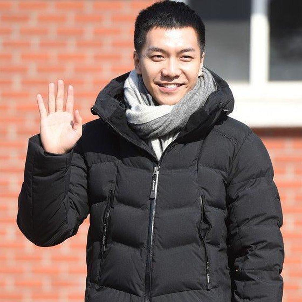 Polisi Temukan Netizen Penyebar Gosip Lee Seung Gi Sudah Punya Anak