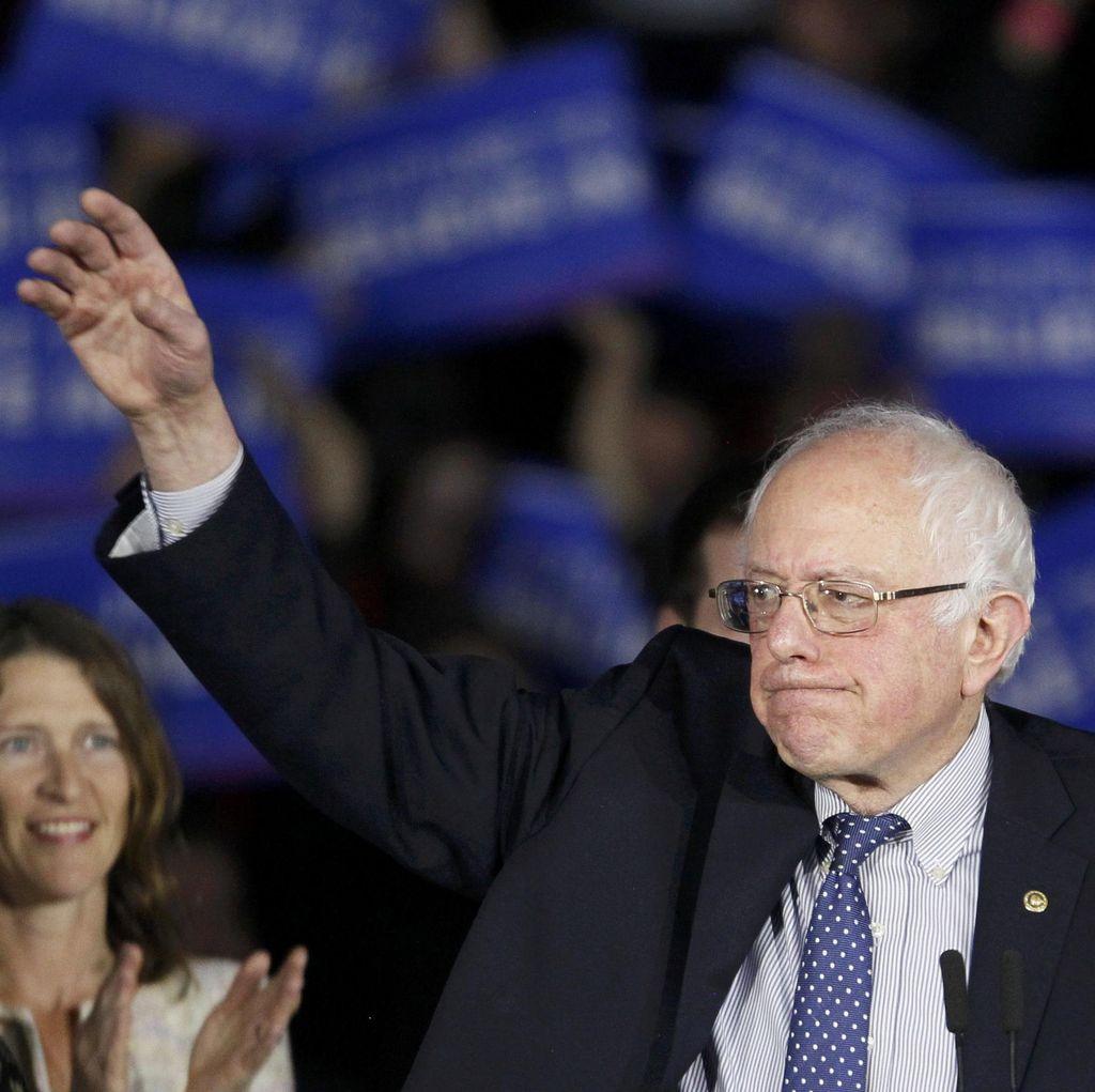 Bernie Sanders Akan Memilih Hillary Clinton Demi Hentikan Donald Trump