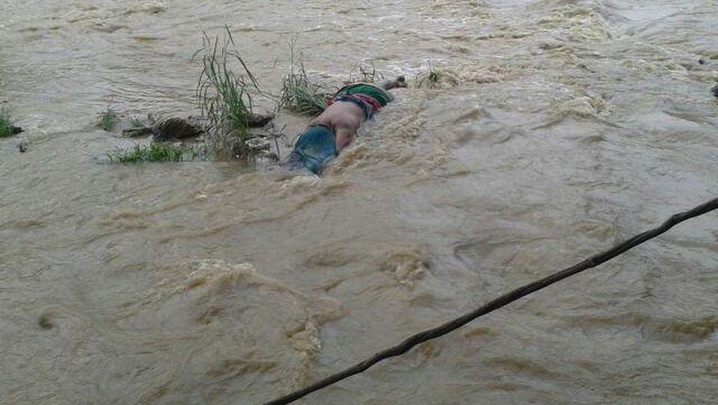 Mayat Perempuan Tanpa Identitas Ditemukan di Sungai Citeureup