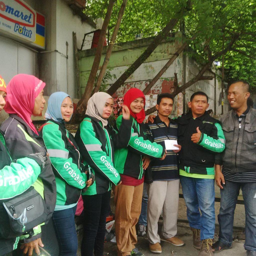 Puluhan Lady GrabBike Datangi Stasiun Cawang, Berdamai dengan Opang